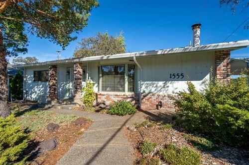 Photo of 1555 Pleasant St, Redding, CA 96001 (MLS # 20-5142)