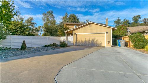 Photo of 1811 Pineland Ct, Redding, CA 96002 (MLS # 20-5151)