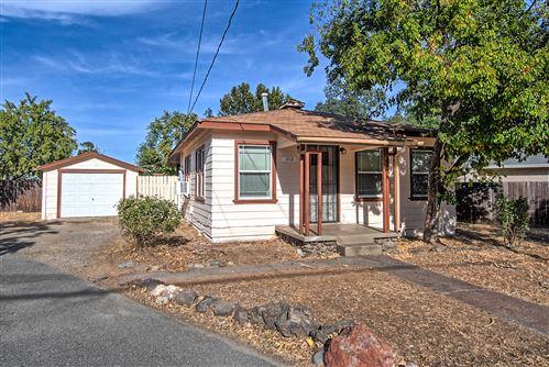 Photo of 1112 Grange St, Redding, CA 96001 (MLS # 20-5160)