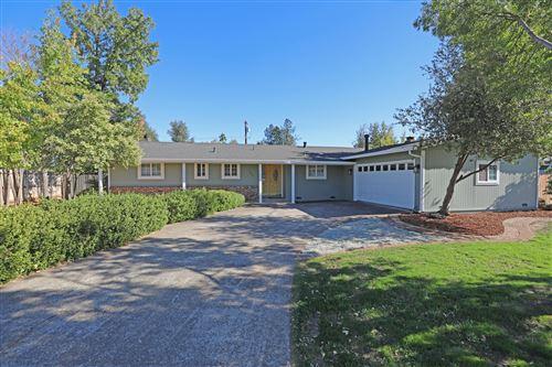 Photo of 3845 Loustalot Way, Redding, CA 96002 (MLS # 20-5184)