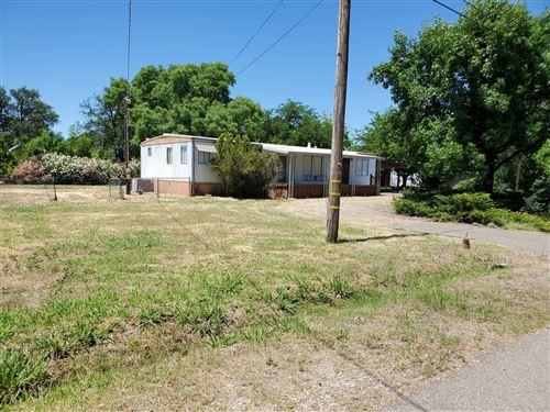 Photo of 11814 Woggon Ln, Redding, CA 96003 (MLS # 20-3189)