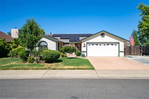 Photo of 583 Armando Ave, Redding, CA 96003 (MLS # 20-3206)