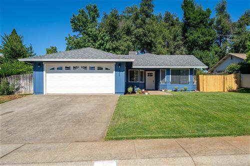 Photo of 3323 Flintwood Way, Redding, CA 96002 (MLS # 20-3229)