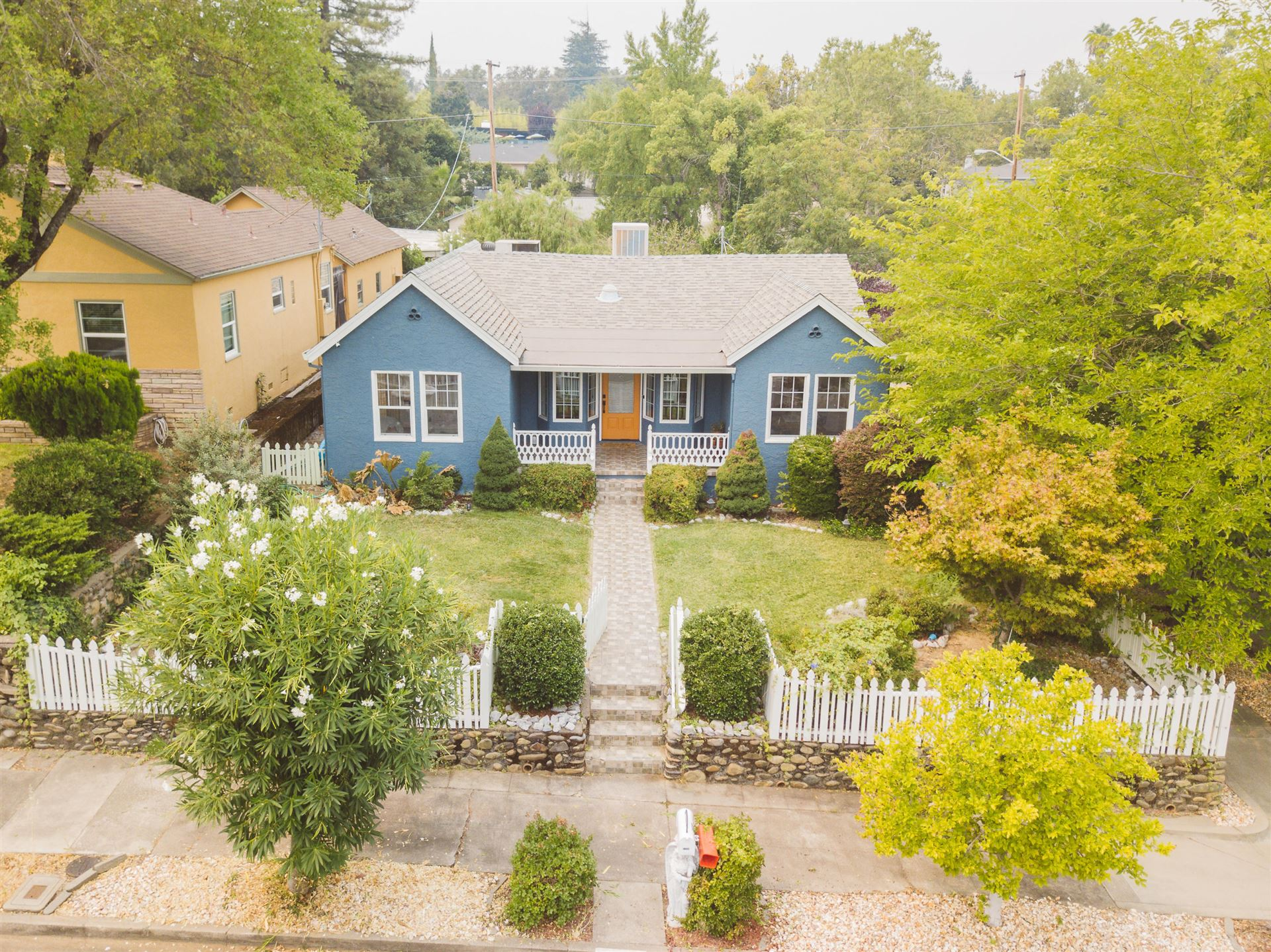 1204 Walnut Ave, Redding, CA 96001 - MLS#: 20-4231