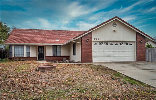 Photo of 1661 Oak Mesa Ln, Redding, CA 96003 (MLS # 21-308)