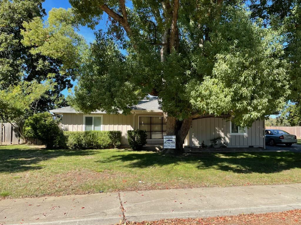 Photo of 2324 Mill St, Anderson, CA 96007 (MLS # 21-4328)