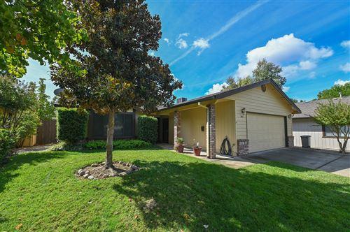 Photo of 565 Monet Walk, Redding, CA 96001 (MLS # 21-4444)