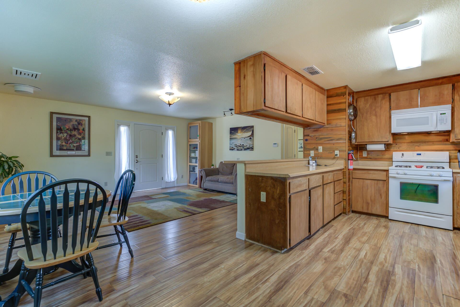 Photo of 1683 Manter Dr, Anderson, CA 96007 (MLS # 21-4501)
