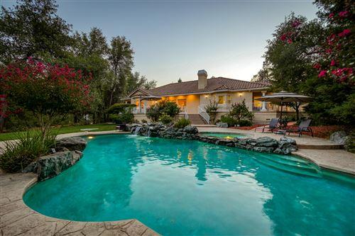 Photo of 13497 Tierra Heights Rd, Redding, CA 96003 (MLS # 21-4505)