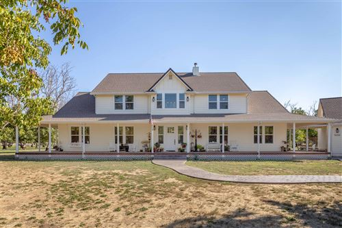 Photo of 5200 Country Farms Ln, Anderson, CA 96007 (MLS # 21-4527)