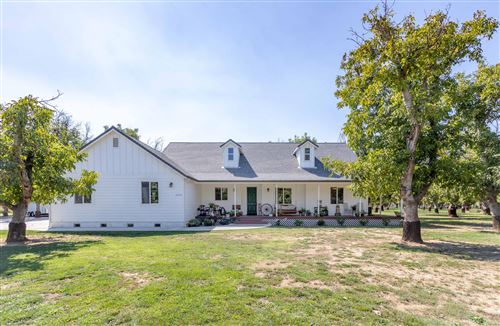 Photo of 5250 Country Farms Ln, Anderson, CA 96007 (MLS # 21-4530)