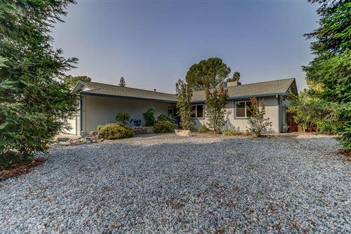 Photo of 396 Tourmaline Way, Redding, CA 96003 (MLS # 20-4552)