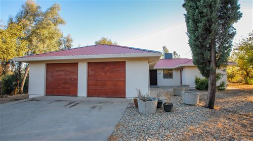 Photo of 20729 Alta Vista Way, Redding, CA 96003 (MLS # 20-5559)