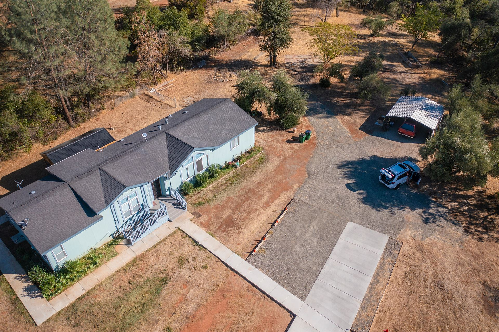 Photo of 17477 Hawthorne Ave, Anderson, CA 96007 (MLS # 21-4563)
