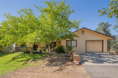 Photo of 15055 Peppertree Ln, Red Bluff, CA 96080 (MLS # 21-4566)