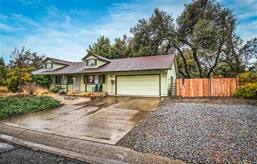 Photo of 7364 Amigo Way, Redding, CA 96002 (MLS # 20-5578)