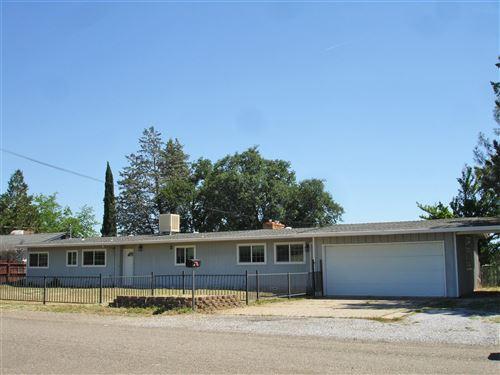 Photo of 555 Ridge Rd, Redding, CA 96003 (MLS # 20-2596)