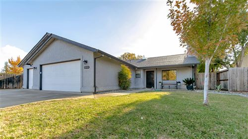 Photo of 2193 Hacienda St, Redding, CA 96003 (MLS # 20-5601)
