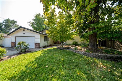 Photo of 6542 Paso Dr, Redding, CA 96001 (MLS # 20-4602)