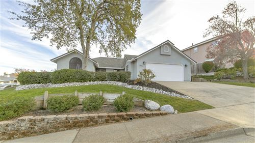 Photo of 1081 Edgewater Ct, Redding, CA 96003 (MLS # 20-5603)