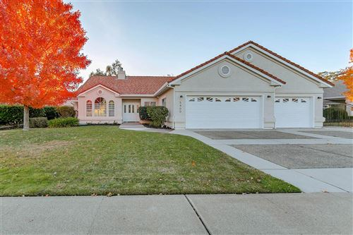Photo of 5400 Indianwood Dr, Redding, CA 96001 (MLS # 20-5612)