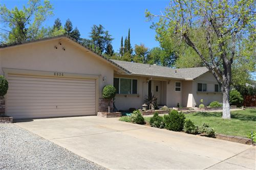 Photo of 6936 Riata Dr, Redding, CA 96002 (MLS # 21-1629)