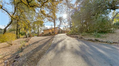 Photo of 8945 Sadawa Ln, Redding, CA 96001 (MLS # 20-5646)