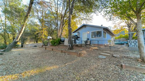 Photo of 13999 Cody Ln, Redding, CA 96003 (MLS # 20-5658)