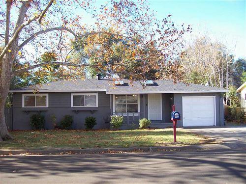 Photo of 2982 Kenco Ave, Redding, CA 96002 (MLS # 20-5672)