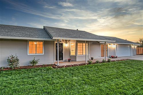 Photo of 20121 Barn Owl Dr, Redding, CA 96002 (MLS # 21-1683)