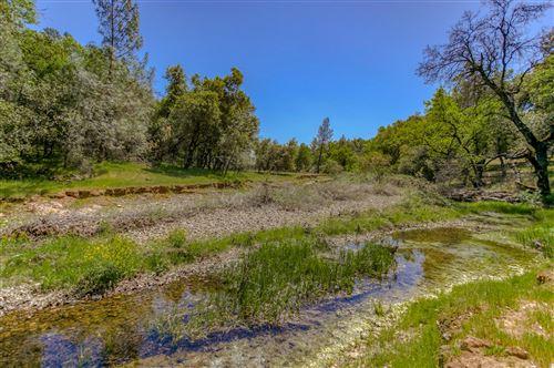 Photo of 13277 Fernie Way, Redding, CA 96003 (MLS # 21-1695)
