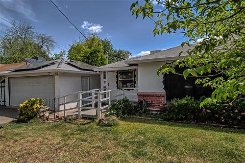 Photo of 2935 Mahan St, Redding, CA 96001 (MLS # 21-710)