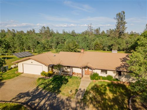 Photo of 12175 Carol Ann Ln, Redding, CA 96003 (MLS # 21-1711)