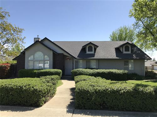 Photo of 2794 Summerbreeze Pl, Redding, CA 96001 (MLS # 21-1712)