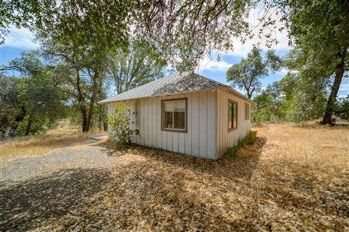 Photo of 8695 Churn View Pl, Redding, CA 96002 (MLS # 21-2714)