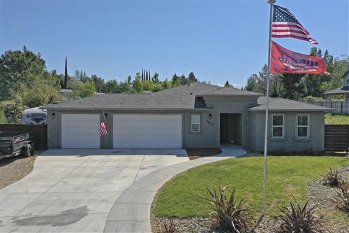 Photo of 3627 Fairoaks Ct, Redding, CA 96001 (MLS # 21-1725)