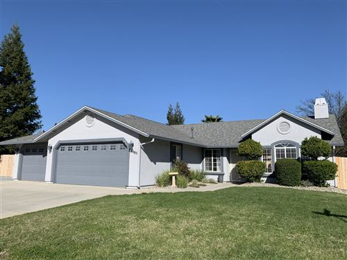 Photo of 3985 Meadow Oak Way, Redding, CA 96002 (MLS # 21-1730)