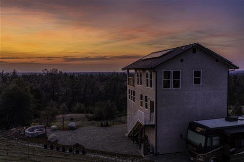 Photo of 2948 Crownview Ln, Redding, CA 96003 (MLS # 20-747)