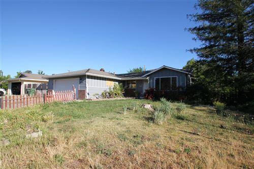 Photo of 2110 Roxford Ct, Redding, CA 96001 (MLS # 21-763)