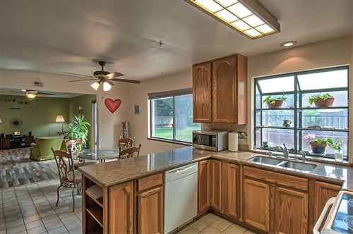 Tiny photo for 2849 Sandalwood St, Redding, CA 96001 (MLS # 21-4805)
