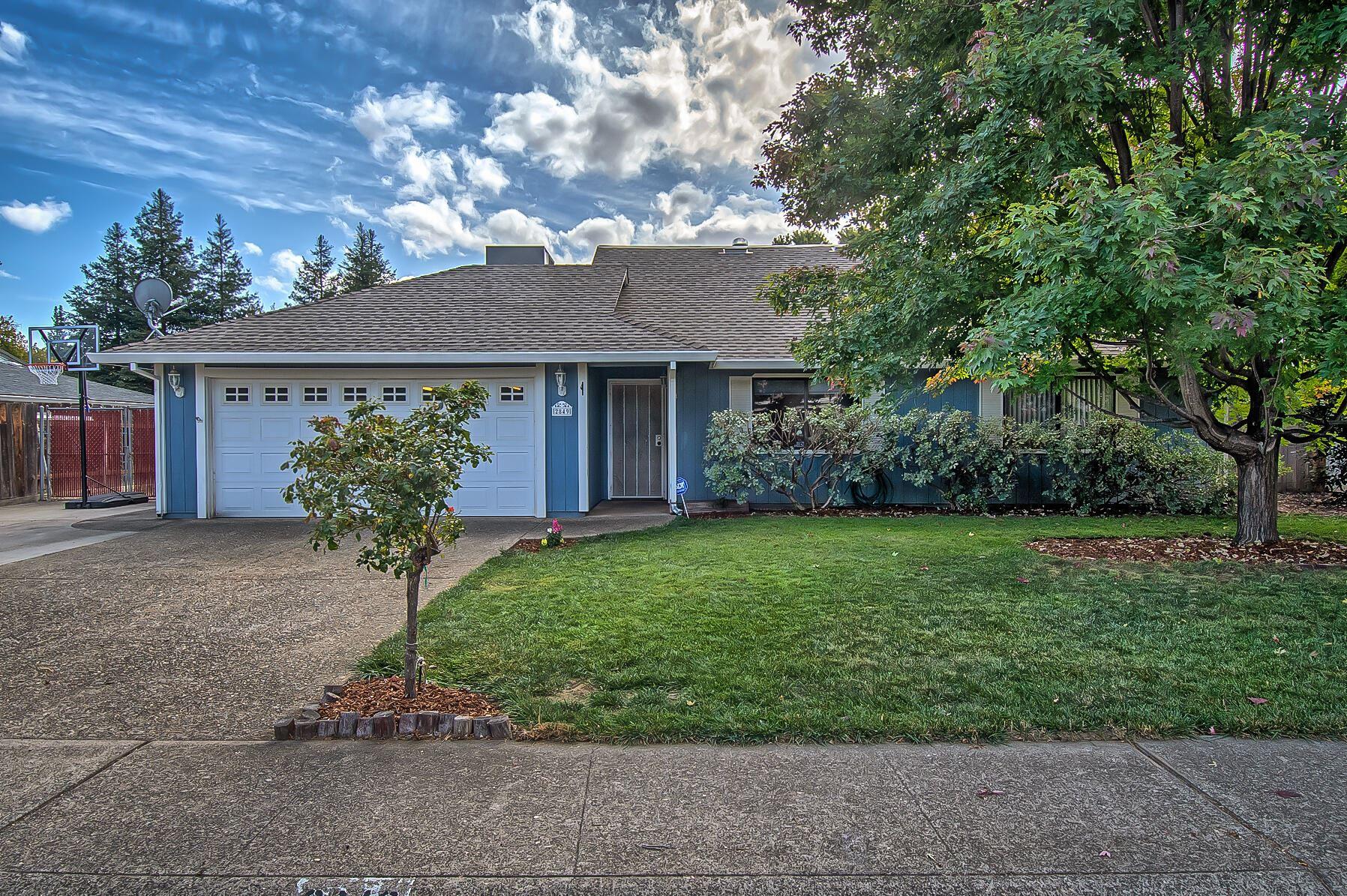 Photo of 2849 Sandalwood St, Redding, CA 96001 (MLS # 21-4805)