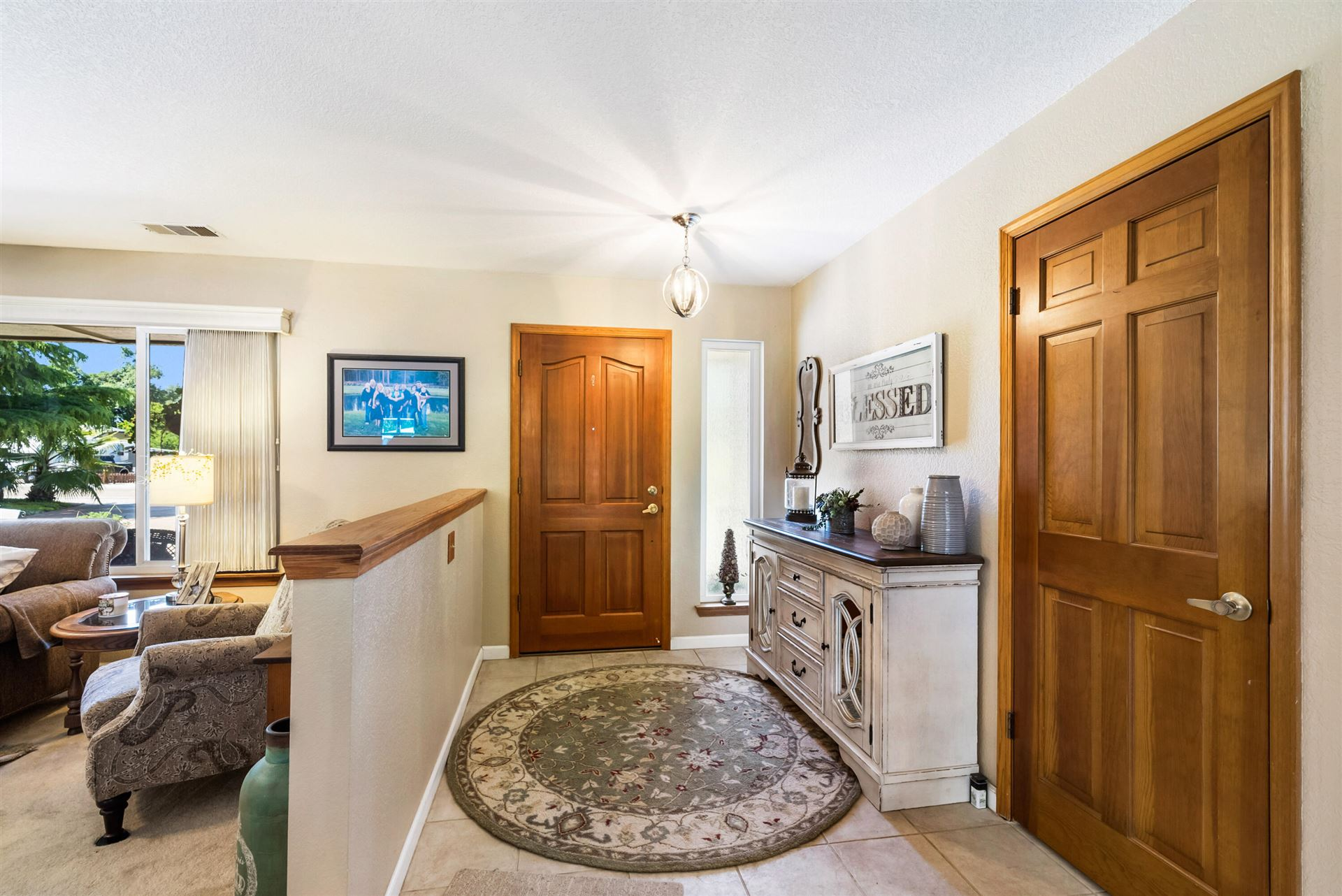 Photo of 20149 Meadow View Dr, Redding, CA 96002 (MLS # 21-4814)
