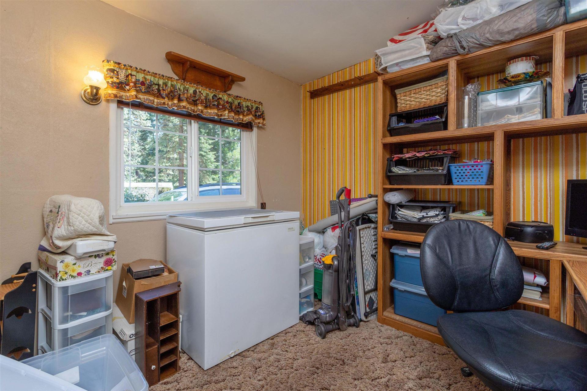 Photo of 2400 Pine Grove, Mt Shasta, CA 96067 (MLS # 21-1818)