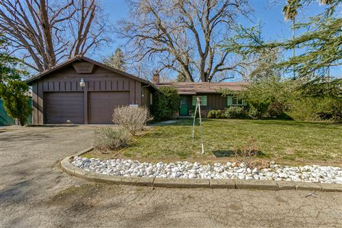 Photo of 5887 Fagan Dr, Redding, CA 96001 (MLS # 21-829)