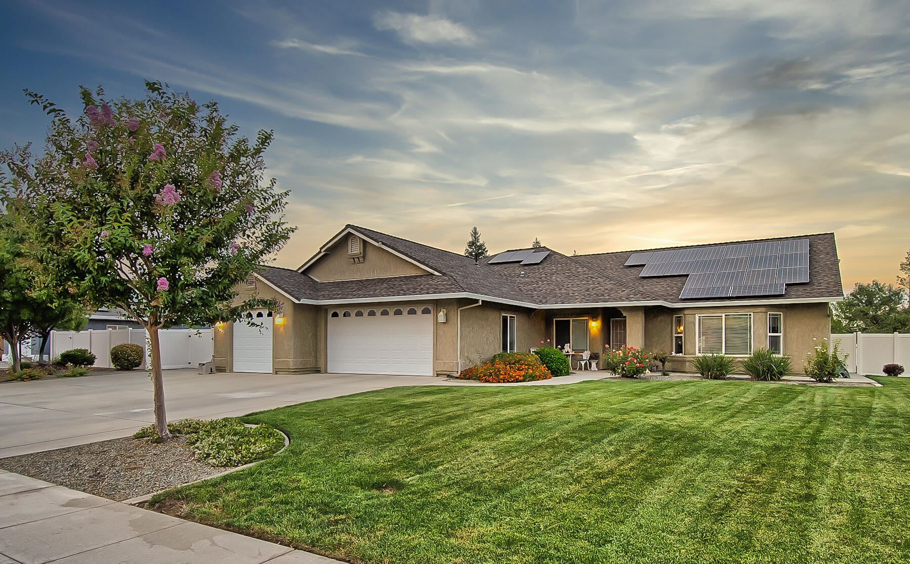 Photo of 3665 Westhaven Dr, Cottonwood, CA 96022 (MLS # 21-4835)