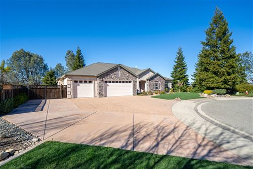 Photo of 3832 Sea Lavender Ct, Redding, CA 96001 (MLS # 21-841)