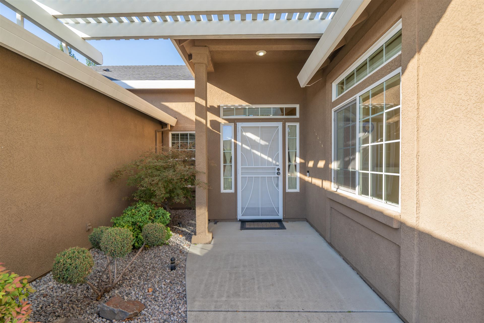 Photo of 2380 Warm Spring Ln, Redding, CA 96003 (MLS # 21-4843)