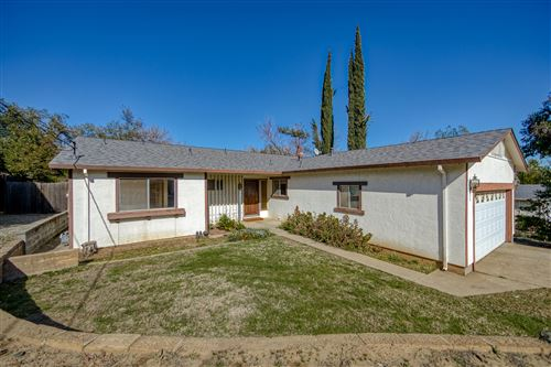 Photo of 1918 Manchester Dr, Redding, CA 96002 (MLS # 21-845)