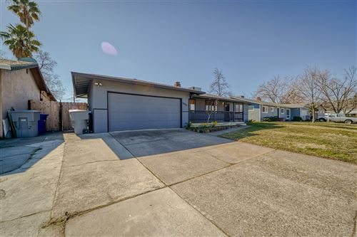 Photo of 1997 Wilder Dr, Redding, CA 96001 (MLS # 21-850)