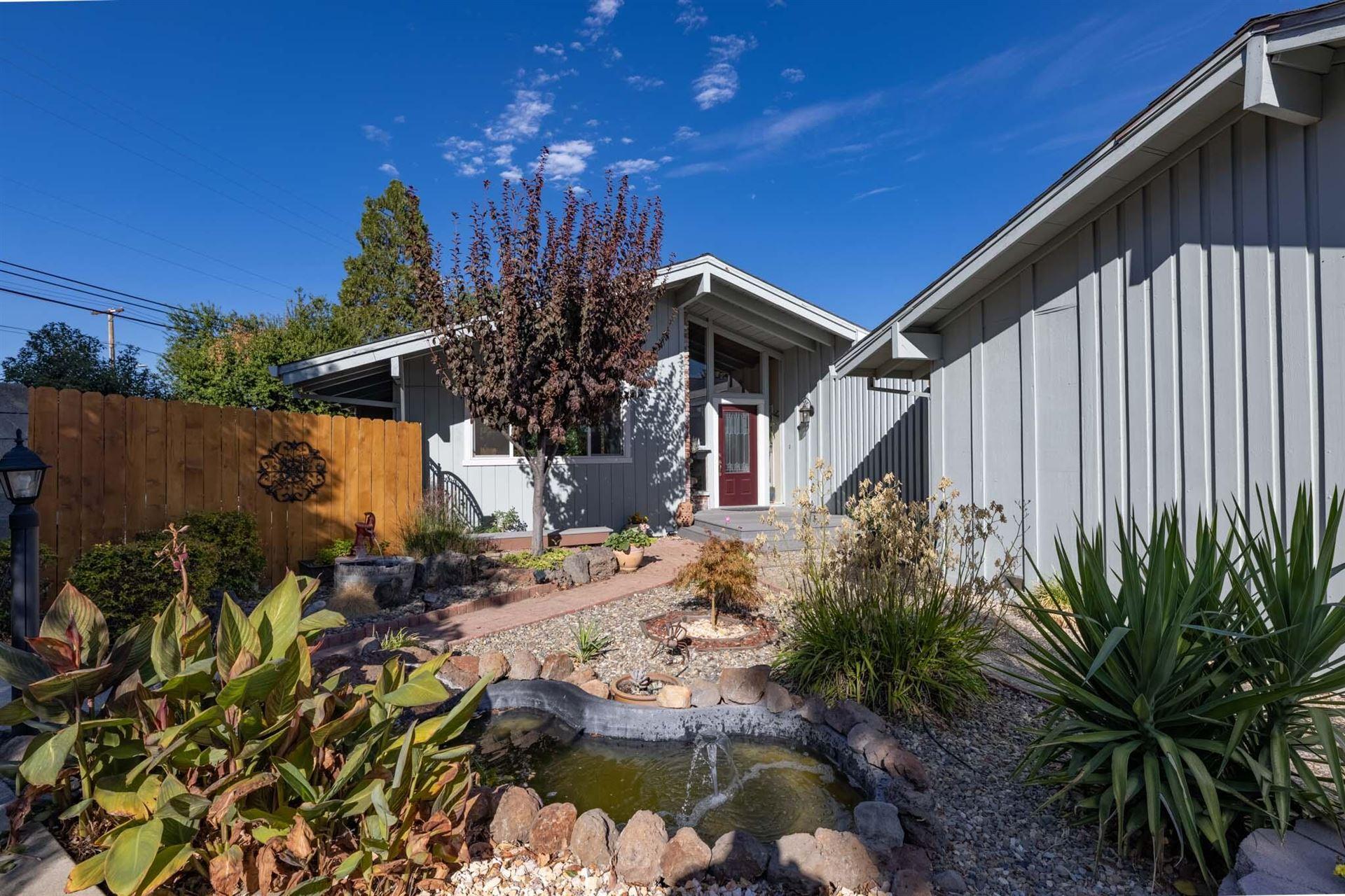 Photo of 4120 Quartz Ct, Redding, CA 96001 (MLS # 21-4852)
